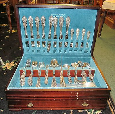 Wallace Sir Christopher Sterling Service for 8 + extras (60 pieces) Silver Chest