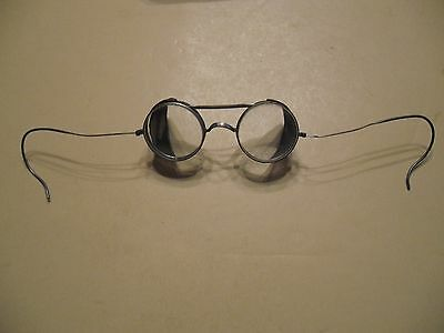 Vintage Saniglas Kings Safety Goggle  with metal case