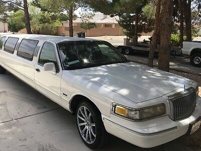 1996 Lincoln Town Car  limousine grand royal