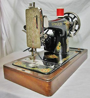 1919 Singer Model 128 Vencedora Sewing Machine With Bentwood Case/working