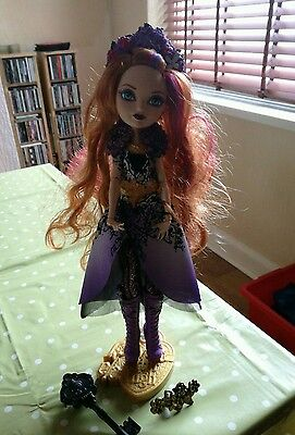 ever after high doll Holly O'hare rare doll