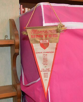Manchester United Honours Pennant