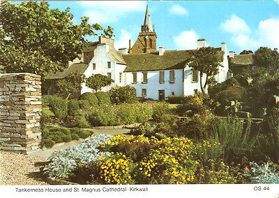 POSTCARD ORKNEY KIRKWALL TANKERNESS HOUSE & ST MAGNUS CATHEDRAL c1983