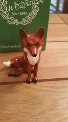 Beswick SITTING FOX W1748 mint and boxed