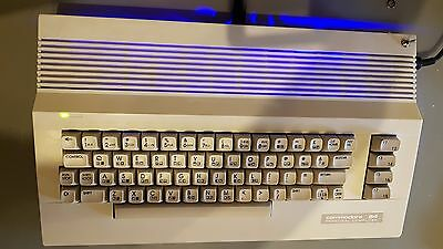 COMMODORE 64 (C=64) -  ROT / BLAU / Reset / 4 fach Kernal  (C=64 is alive)