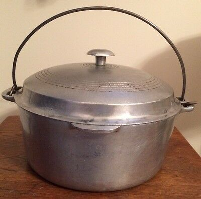 Vintage Wagner Ware Sidney Aluminum Round Roaster 248M with Lid and Bail Handle
