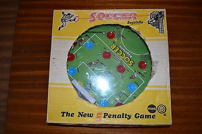 VINTAGE SOCCER BAGATELLE - THE NEW 5 PENALTY GAME by Louis Marx of Swansea