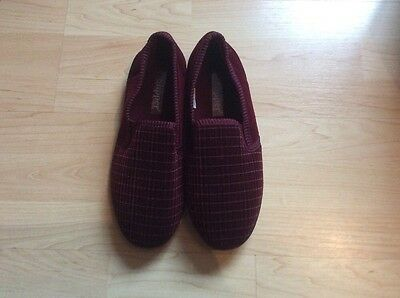 mens slippers size 7