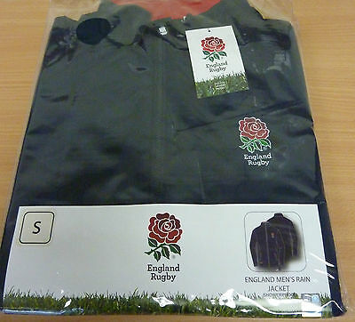 BNWT Men's Official Licensed Englad Rugby Showerproof Rain Jacket Size Small (S)