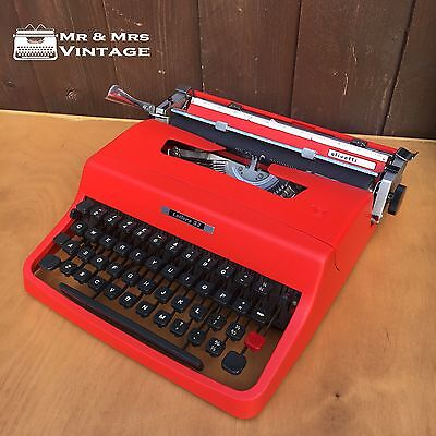 Excellent Red Olivetti Lettera 32 Typewriter BOLD typeface Working Black ribbon