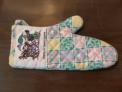 """Precious Moments Oven Glove Hot Mitt """"sharing Our Season Together"""" 1990 Usa"""