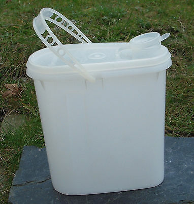 Vintage/Retro Tupperware White Pourer Lidded with Handle Cereal Container