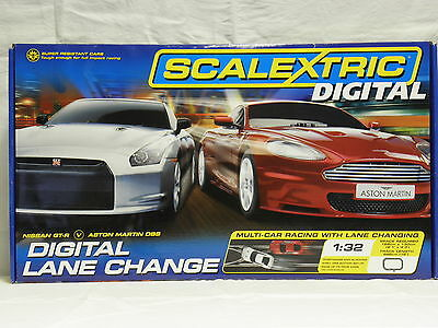 Scalextric C 1256 Digital-Bahn Komplettset Digital Lane Change mit 2 Slot Cars