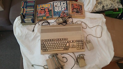 Amiga 500 + 520 + 3 original Sierra games + a series of assorted games