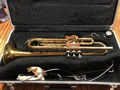 King Tempo 600 Trumpet With Hard Case-Needs A Little Work Check Description