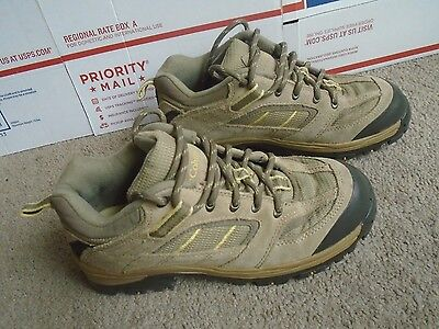 Columbia Broken trail beige leather women's hiking shoes size 7.5
