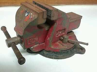 Dawn vice 2 1/2 with turn table vintage/old/classic/antique