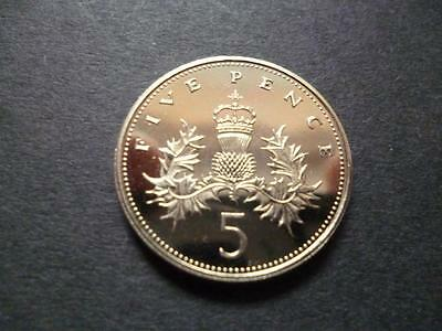 1990 Brilliant Uncirculated Five Pence Piece. 1990 5P Last Of The Larger Type.