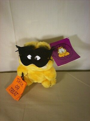 """Dakin GARFIELD 6"""" Plush Trick or Treat Halloween With Mask and Tags"""