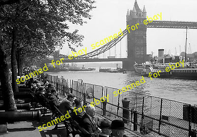 Photo - Royal Eagle paddle steamer moored near Tower Bridge, 1940's (2)