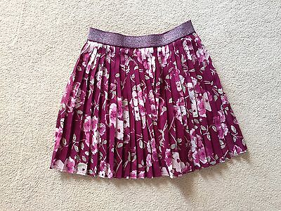 Girls skirt age 6 - 7 approx