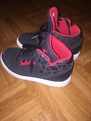 Lot de 2 paires de baskets Adidas et Jordan pointure 28