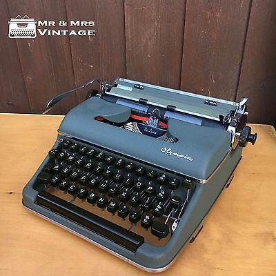 1958 Excellent SM3 Olympia Green Typewriter Working Black Red Ribbon Vintage