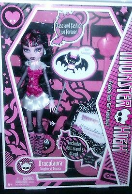 Monster High Draculaura  Doll First Edition 2009