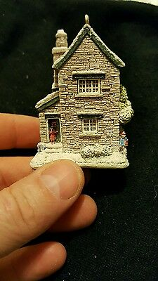 Lilliput Lane Fir Tree Cottage