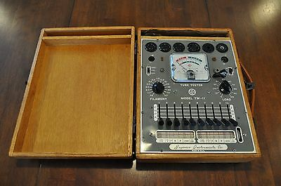 1956 Vintage Superior Instruments Co.Tube Tester - Model TW-11 With Wooden Case