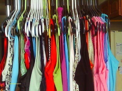 100 PIECE WOMEN'S MIXED CLOTHING WHOLESALE LOT SIZES  small - Extra Large