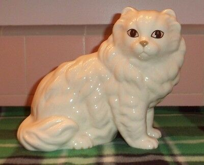 Coopercraft England White Persian Cat Kitten Porcelain Figurine Decorative