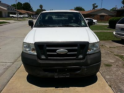 2007 Ford F-150  XL 2WD ABS Brakes AM/FM Radio Cargo Area Tiedowns Driver Airbag Front Air Dam