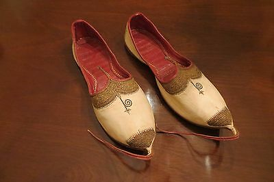 Antique Indian Embroidered Man's Leather Slippers; Fit UK 9 / 9.5