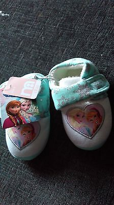 NEW FROZEN childrens SLIPPERS SiZE 6
