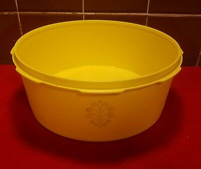 Vtg. Retro Tupperware #1204 Yellow Servalier Stacking Canister With Emblem 7 3/4