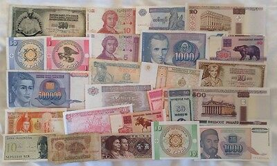 Lot Of 26 X World Banknotes. All Different. Mix Of Old & New Notes.