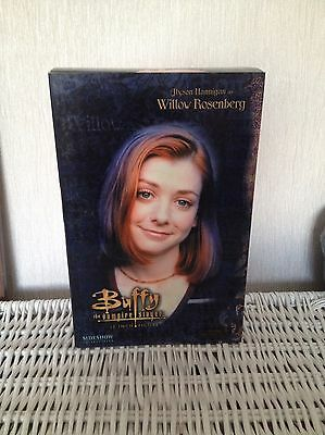 buffy the vampire slayer figure - Willow