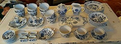 Excellent 40 Pc. Blue Danube Onion Japan Dishes