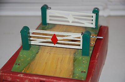 HORNBY TRAINS O GAUGE  No 2 LEVEL CROSSING BOXED NMIB
