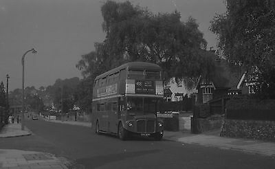 (22)B/w Negative With Copyright- London Country   Cuv 324C
