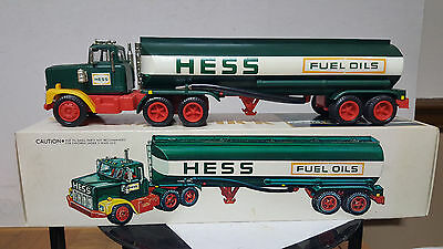 1977 Hess Tanker Truck- Box- Inserts & Bc - New !! - Never Displayed !! Nice !!