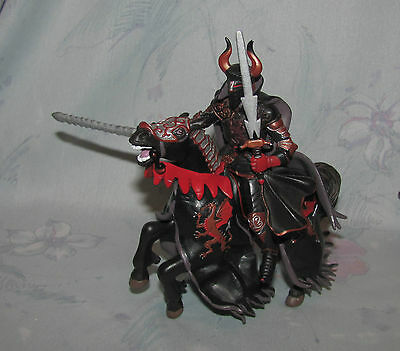 2006 Papo Black & Red Knight w/ Horse, Two Swords - Red Dragon