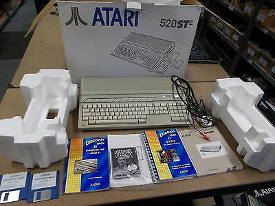 Atari 520STE White Pal COMPUTER CONSOLE with Sleeve Box Instructions