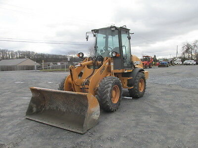 2007 Case 221D Compact Wheel Loader w/ Cab!