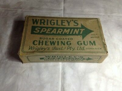 Vintage Wrigley's Spearmint Sugar Coated Chewing Gum Display Box - lid & base