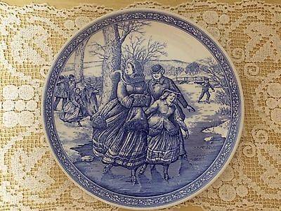 Spode Blue Room Collection Christmas plate 2 - Victorian ice skating scene