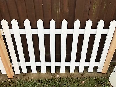 10ft Picket Fence 3ft High Including Posts. Already Primed. BRAND NEW