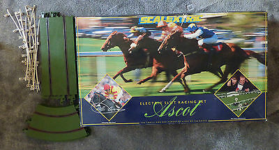 SCALEXTRIC - C.945 ASCOT 'HORSE RACING' BOX SET,fully working with extra track