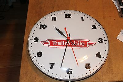 Vintage TRAILMOBILE Advertisement Clock Glass Dome Metal Pan Style USA Electric